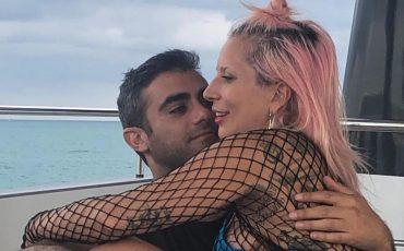 Lady Gaga presenta a su novio